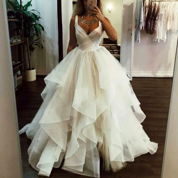 ball gown wedding dresses, v neck wedding dresses, cheap wedding dresses, ruffle wedding dresses, tiered wedding dresses, 2020 wedding dresses, vintage wedding dresses, 2020 bridal dresses, elegant wedding dresses, elegant bridal dresses, vestidos de noiva, puffy wedding dresses, organza wedding dresses, fashion bridal dresses, vestidos de noiva